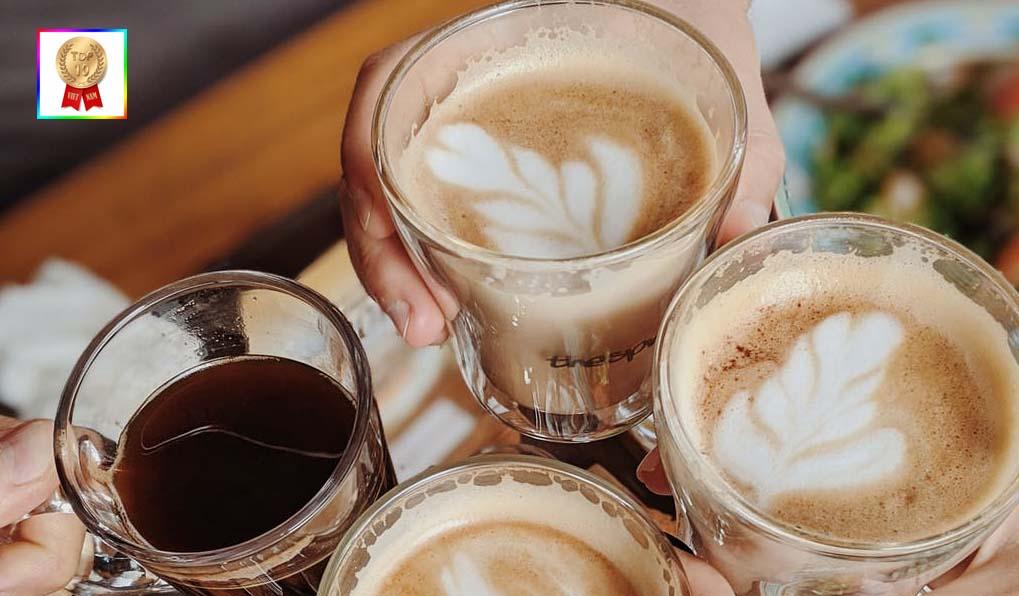 quan-cafe-quan-7-yen-tinh