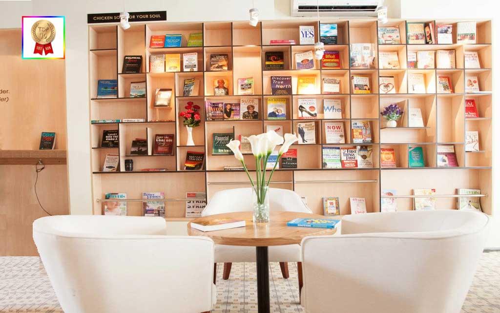 quan-hub-book-cafe